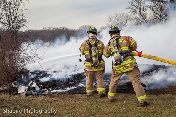 barn fire in Barrington Hills IL 1-8-13