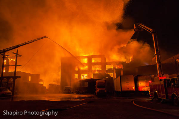 photos of the massive warehouse fire in Chicago 1-22-13 photography by Larry Shapiro