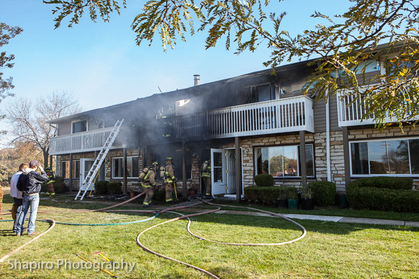 townshouse fire at 17434 Walnut Lane in Gurnee 10-27-13 Larry Shapiro photography