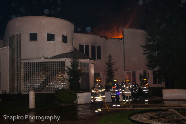 Lake Zurich FD house fire at 21660 Rainbow Road in Deer Park IL Larry Shapiro photography fire scene photos