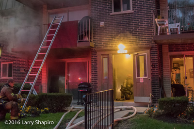 Wheeling Fire Department (IL) apartment fire at 568 Fairway View Drive 10-16-16 shapirophotography.net Larry Shapiro photographer