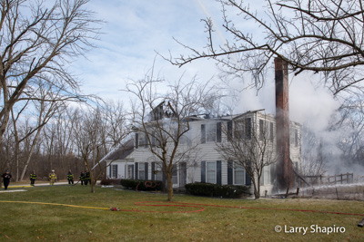 house destroyed by fire at 1944 Meadow Lane Bannockburn IL 12-23-17 Deerfield Bannockburn FPD