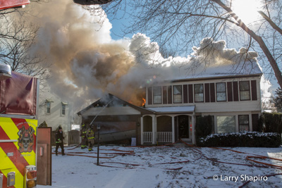 house fire at 1505 Garden in Deerfield IL 12-16-17 Lincolnshire Riverwoods FPD