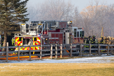 Barn fire in Mettawa IL at 14060 Old School Road 1-9-18 Libertyville Fire Department