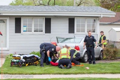 Buffalo Grove IL crash with injuries at 386 S Buffalo Grove Road 5-9-16 Larry Shapiro photographer shapirophotography.net