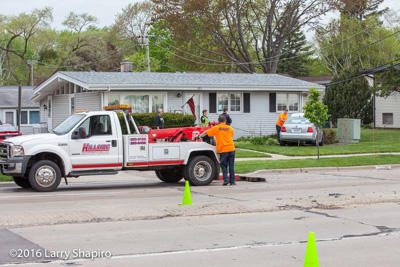 Hillside Towing retrives cars from a crash 5-9-16 at 386 S Buffalo Grove Road in Buffalo Grove IL Larry Shapiro photographer shapirophotography.net