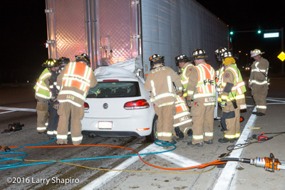 Long Grove FPD car crashes into semi truck trailer on Lake Cook Road at IL Route 53 9-2-16 Larry Shapiro photographer shapirophotography.net
