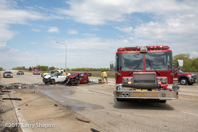 Long Grove FPD IL fatal MVA multiple car multiple injury crash shapirophotography.net Larry Shapiro photographer #larryshapiro Lukas edraulic resue tool 5-13-17 lake Cook Road and Nichols