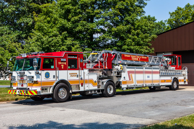 Howard County Fire Department apparatus TDA Pierce tiller