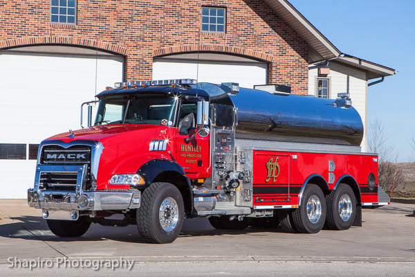 Huntley FPD Mack Granite fire tanker fire tender Rocket Fire