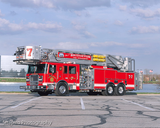 Seagrave Apollo II platform aerial Bridgeton NJ Fire Department Larry Shapiro photography shapirophotography.net