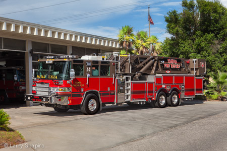Tampa Fire Department apparatus Truck 14 Pierce Quantum midmount tower ladder Larry Shapiro photography shapirophotography.net