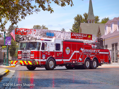 Zionsville IN Fire Department apparatus Ladder 93 2016 E-ONE CR137 aerial ladder Larry Shapiro photographer shapirophotography.net