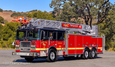 San Mateo County Fire Department CALFIRE CA fire trucks Seagrave Marauder II Force 100' rear mount aerial ladder shapirophotography.net #larryshapiro Larry Shapiro photographer